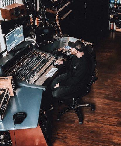 Jonny Bird - studio