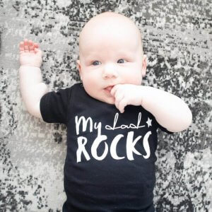 T-shirt 'My dad rocks' – maat 56