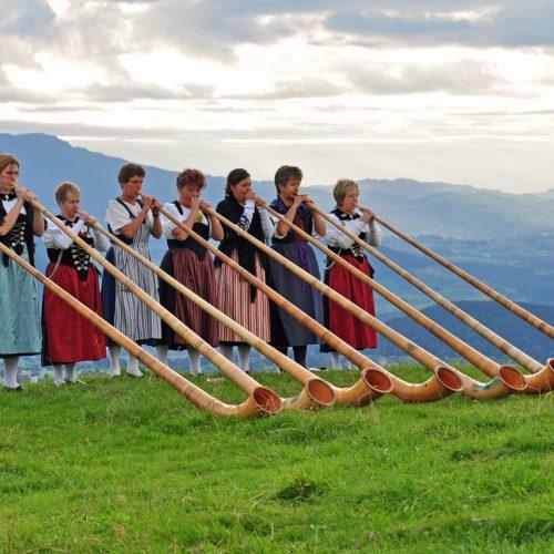 Woman power at an Alphorn blowing performance