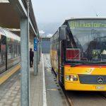 bus at Mals station
