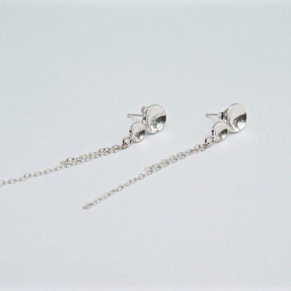 Lange zilveren oorstekers