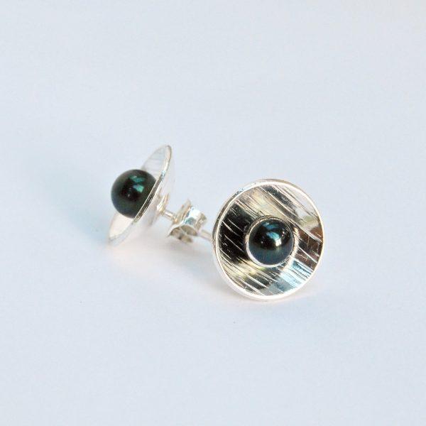 Zilveren oorstekers zwarte zoetwaterparel
