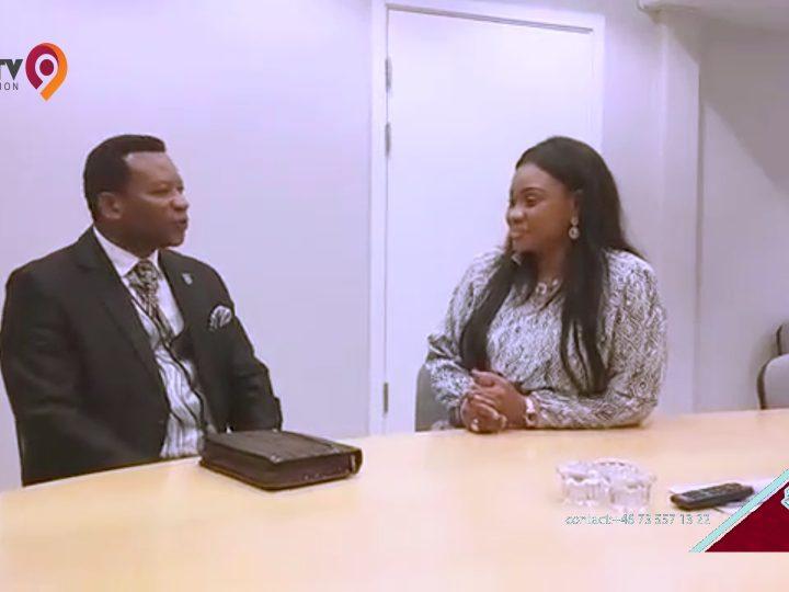 Echo d´Henritte: Henriette Kajinga recoit le pasteur Binua