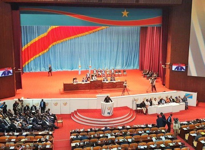 RDC/POLITIQUE: FELIX TSHISEKEDI NE PEUT PAS DISSOUDRE LE PARLEMNT