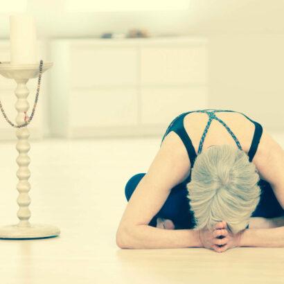 Karen Loy øvelse på gulv - small