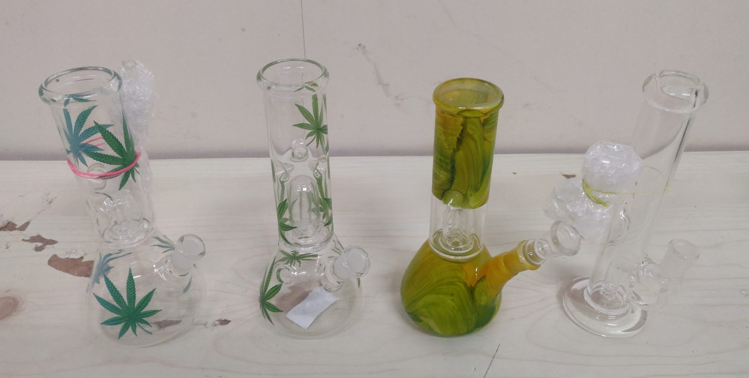 Waterpipe Bong - Small - Glass - Coloured