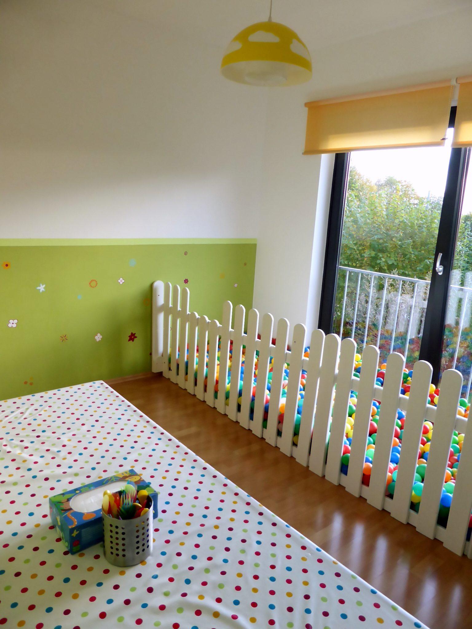 Esszimmer 3 Kita Kid Zone Kinderbetreuung  - Esszimmer und Bällebad