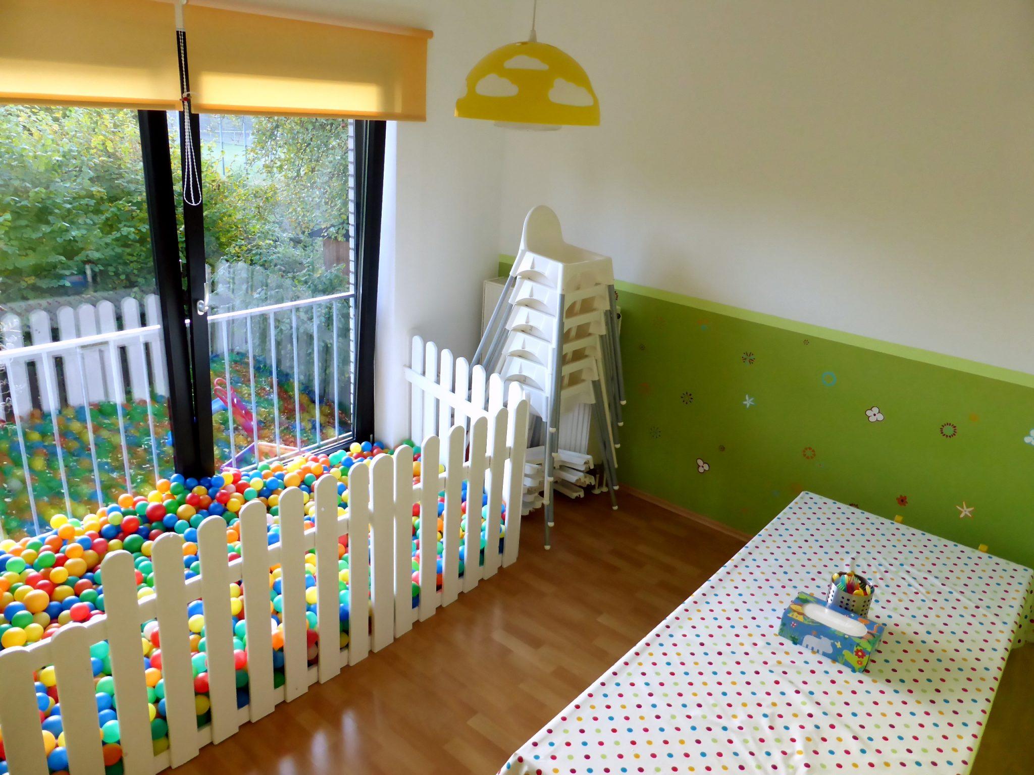 Esszimmer 4 Kita Kid Zone Kinderbetreuung  - Esszimmer und Bällebad