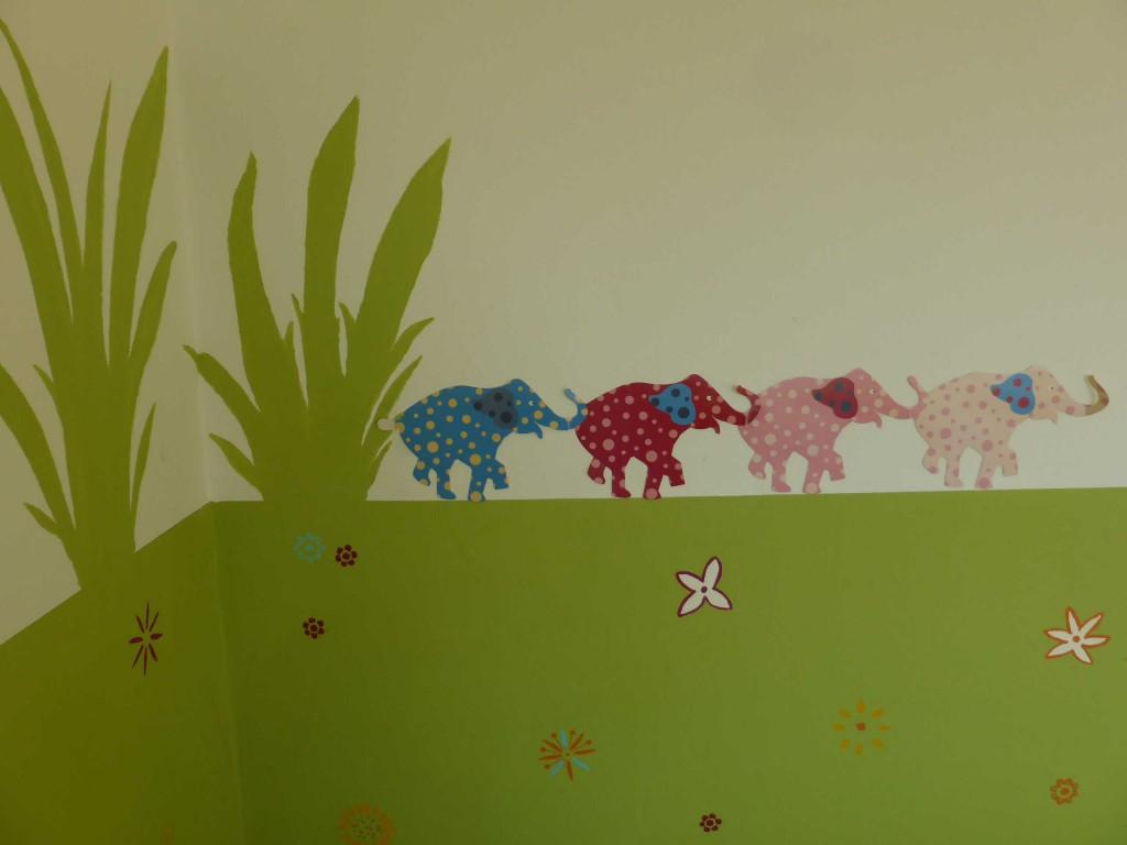 Esszimmer Kid Zone Kinderbetreuung 2 - Esszimmer und Bällebad
