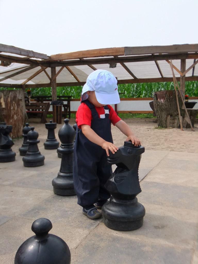 Naturerlebnis Kid Zone Kinderbetreuung 3 768x1024 - Naturerlebnisse und Ausflüge