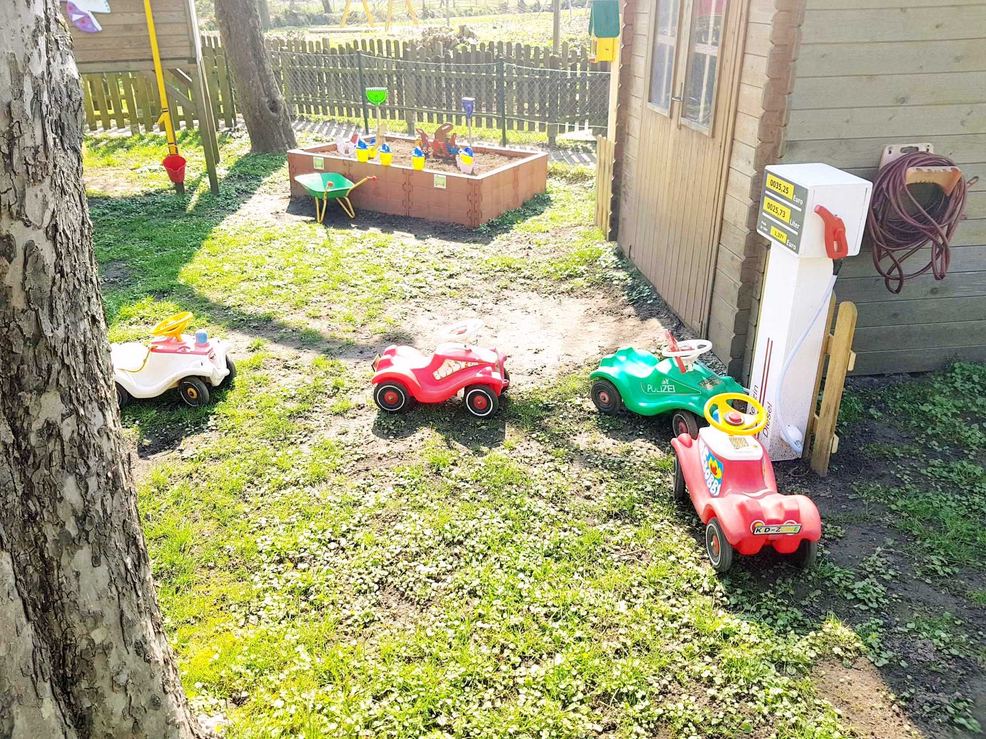 Kita Kid Zone Kinderbetreuung Garten 1 2 - Outdoor-Spielzeug