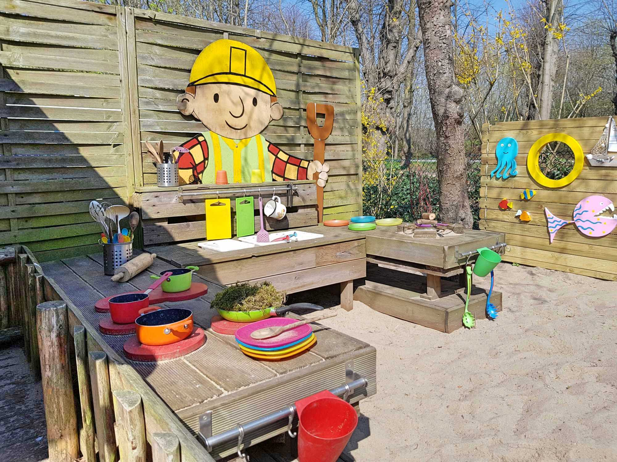 Kita Kid Zone Kinderbetreuung Matschküche Palettery 1 - Outdoor-Kinderküche