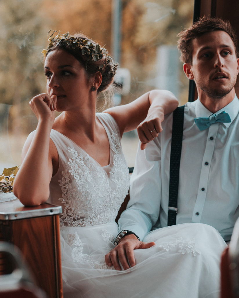Brautpaar in Drachenfelsbahn