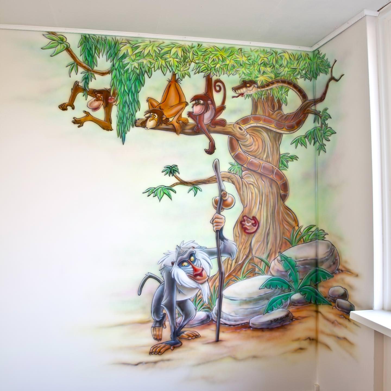 Jungle kamer met boom en Disney figuurtjes