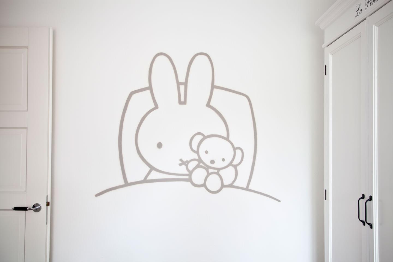 Muurschildering van Nijntje