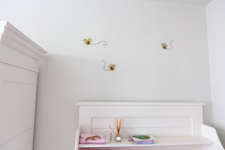 Bijen / bijtjes muurschildering in babykamer