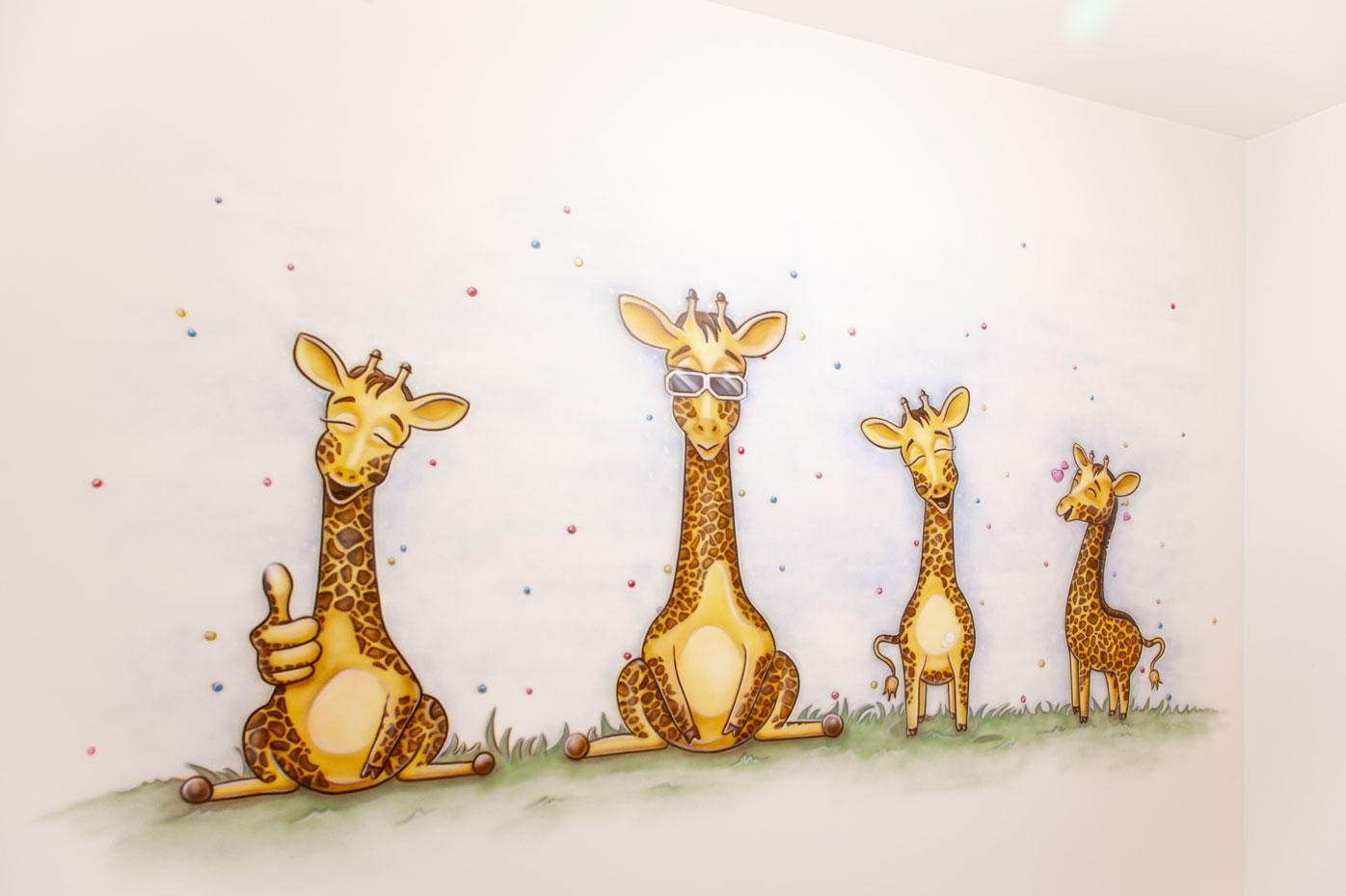 Giraffen kinderkamer muurschildering gemaakt met de airbrush