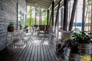 Kinkamon Salin terassilla nautit niin kesäisestä kuin talvisestakin maisemasta.