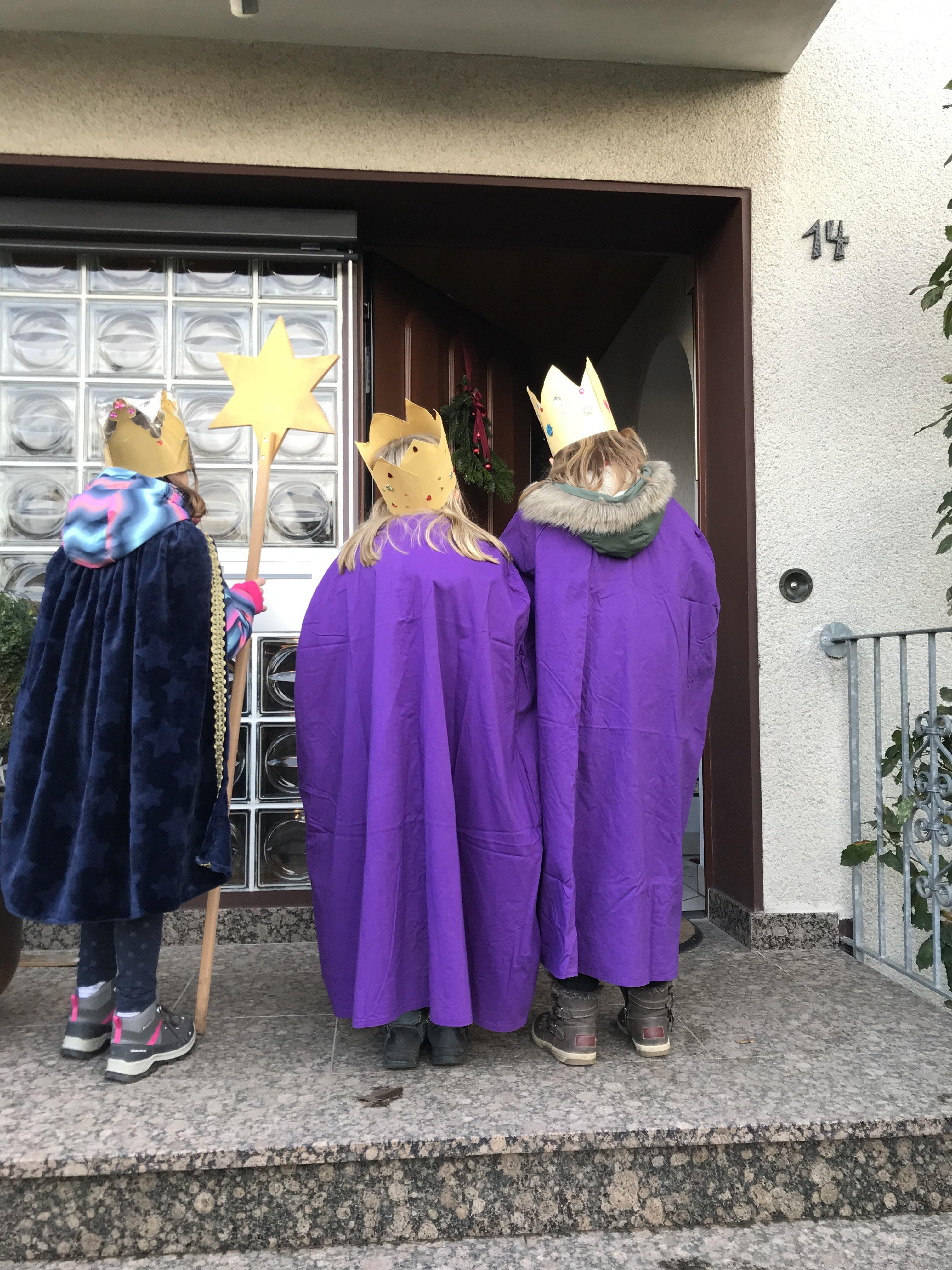 Könige*innen vor der Tür