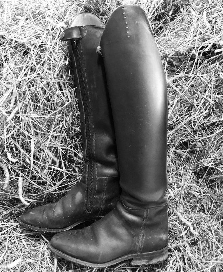 Hvordan vedlikeholde ridestøvlene dine