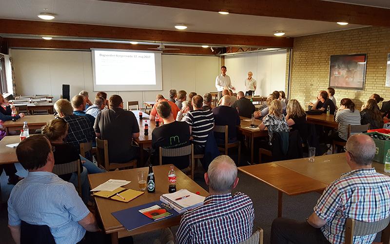 Rum fyldt med mennesker der vender med ryggen til, Udlejning af kursuslokaler ved Knabstrup Hallen