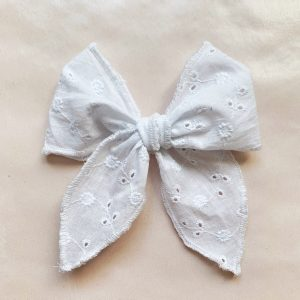 Belle Bow // White Eyelet