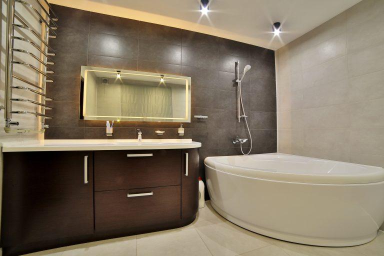 Montering af el i badeværelse