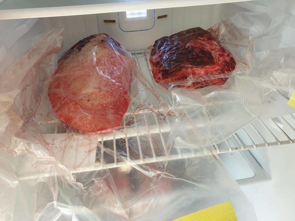Hängmöra kött i kylen
