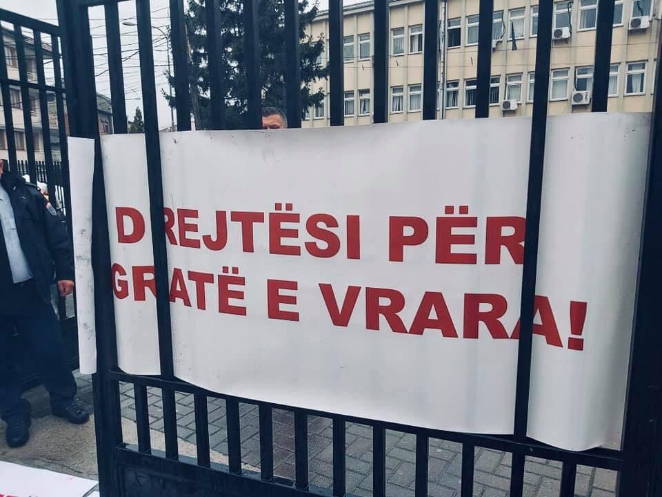 Protestë: Drejtësi për gratë e vrara