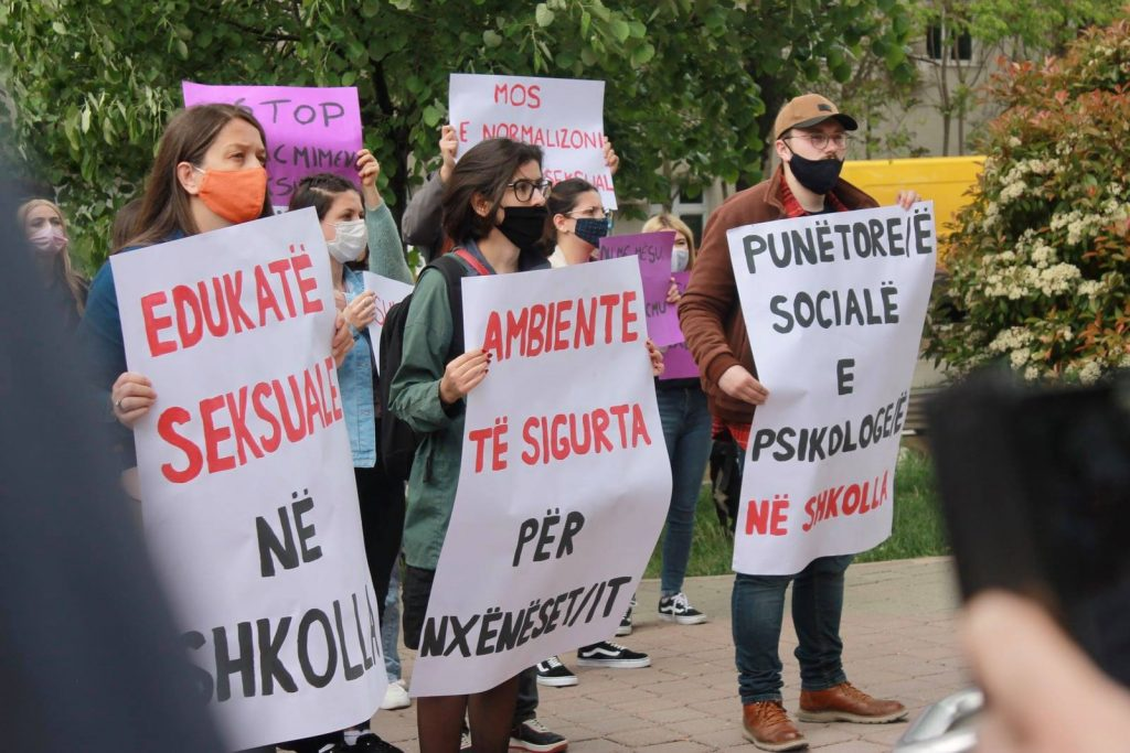 Protestë: Siguri për vajzat në shkollë