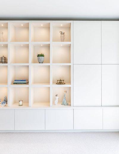 Shelving design in a modern living room