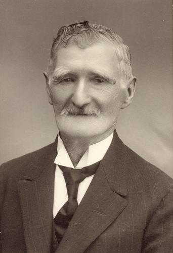 Karl Viktor Svensson Lindén ( 1847-1892). Fastigheten heter Lidhult