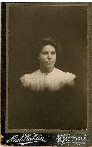 Lydia Karlsson  16 år