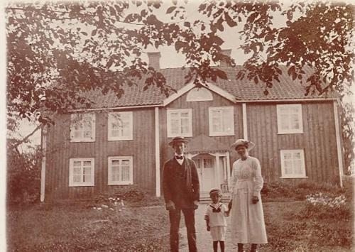 Familjen Karl Viktor Larsson Träthult