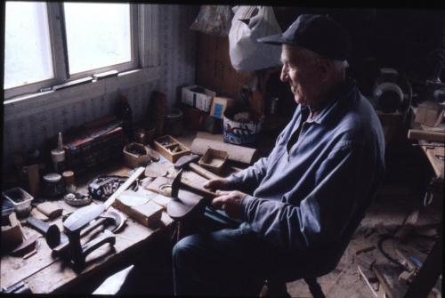 Ingvar Karlsson Rosenholm som skomakare