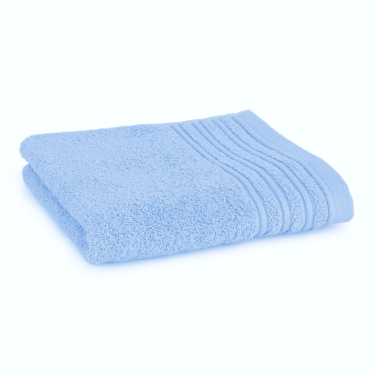 Håndklæde med broderet navn - lys blå