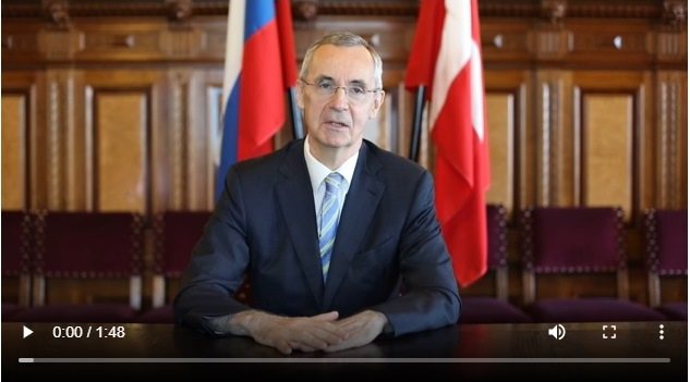 Видеопоздравление Посла России в Дании В.В.Барбина по случаю Дня России