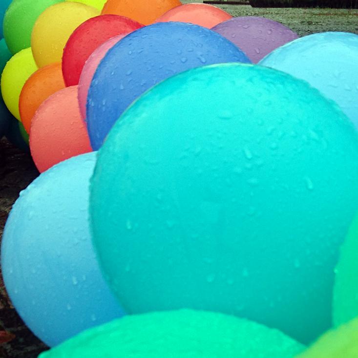KUL kommunikation ballonger pride regnbåge
