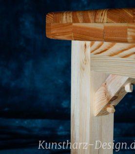 Echte Handwerkskunst-Holznägel sorgen für Halt-und sehen gut aus
