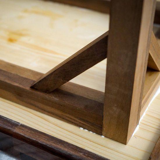 Tischbeine aus Massivholz als Tischgestell für Tische aus Holz