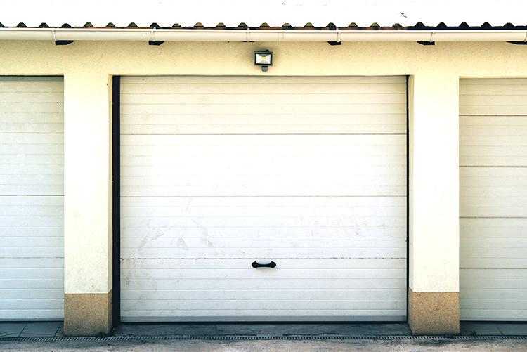 Ruime en droge garagebox te huur in Geel