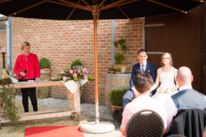 buiten huwelijk paarden ceremonie