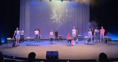 El Ayuntamiento premia al alumnado de sexto de Primaria reconocido por ser buenos compañeros y compañeras