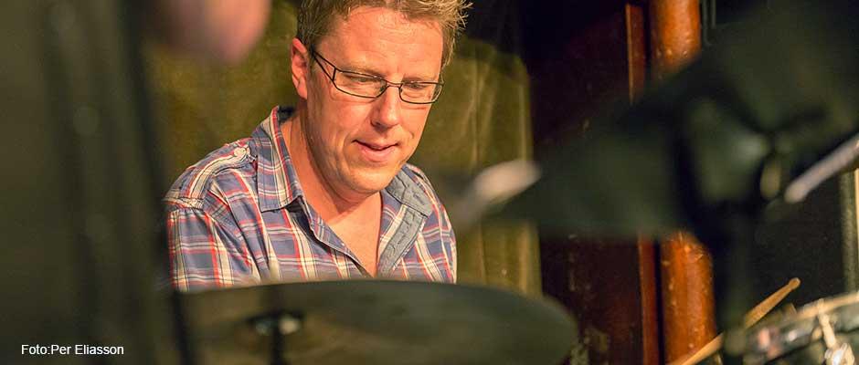 Daniel Friedl - trummor