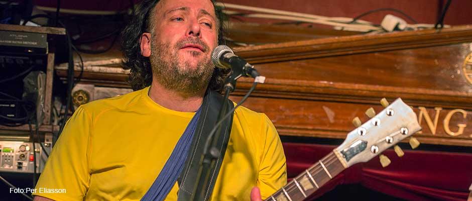 Lalla Strandberg - gitarr