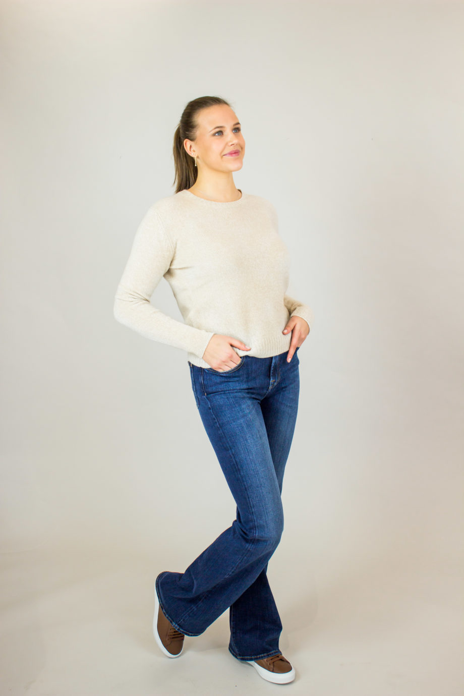 ALLUDE Beige sweater