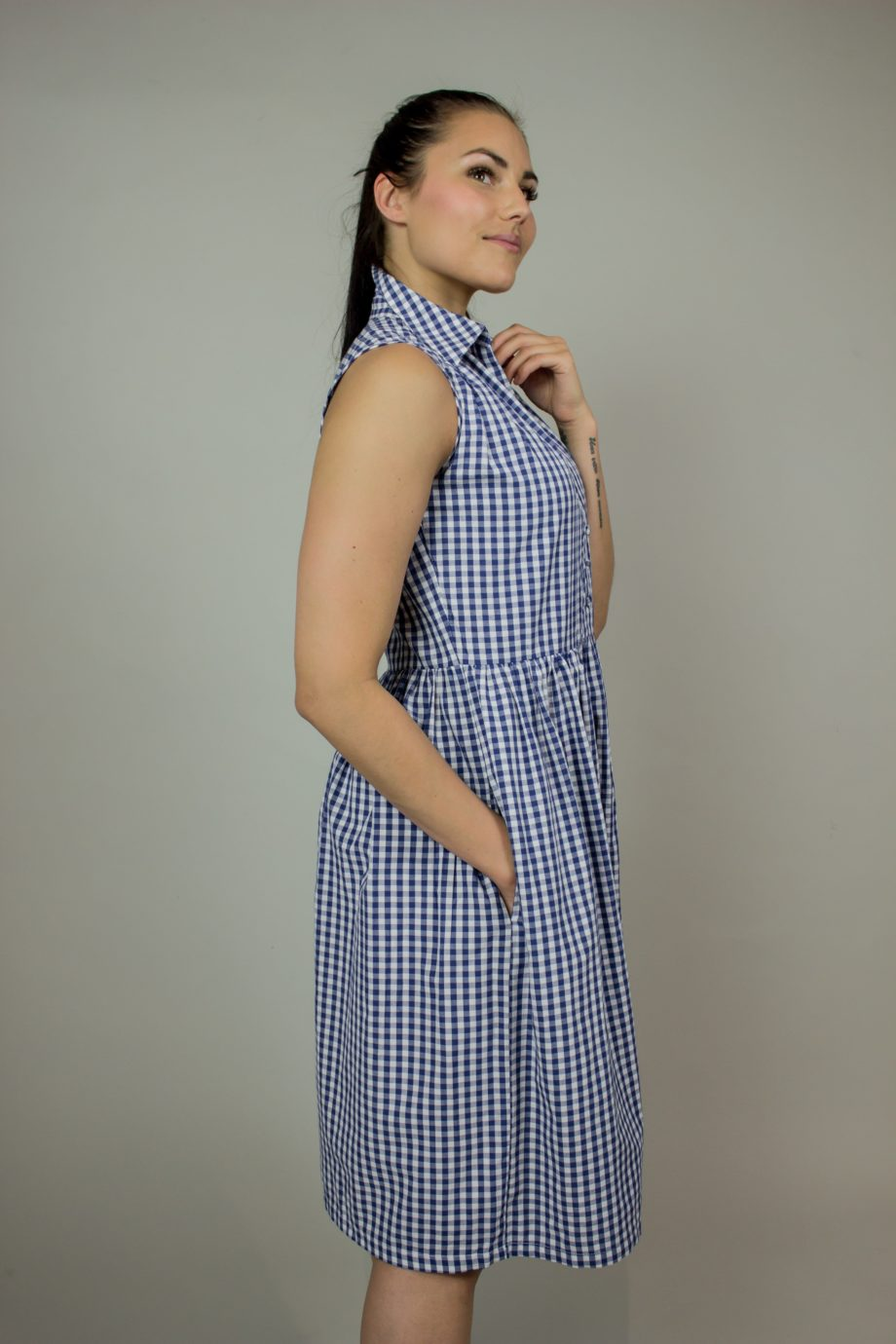 16. FRENCH CONNECTION Check shirt dress