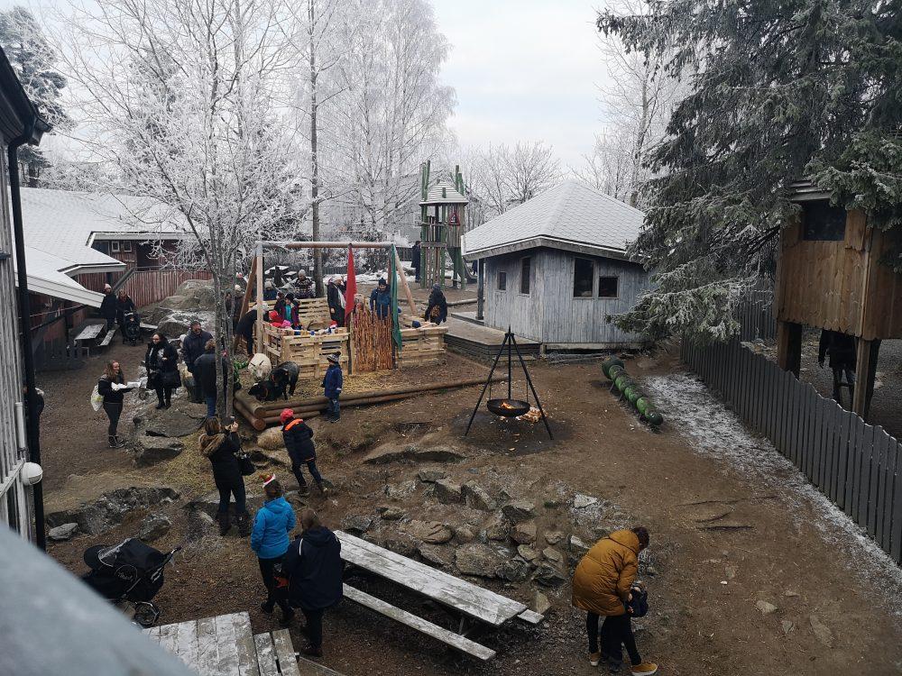 lappeteppet-julemarked-lørenskog-steinerskolen-oversiktsbilde