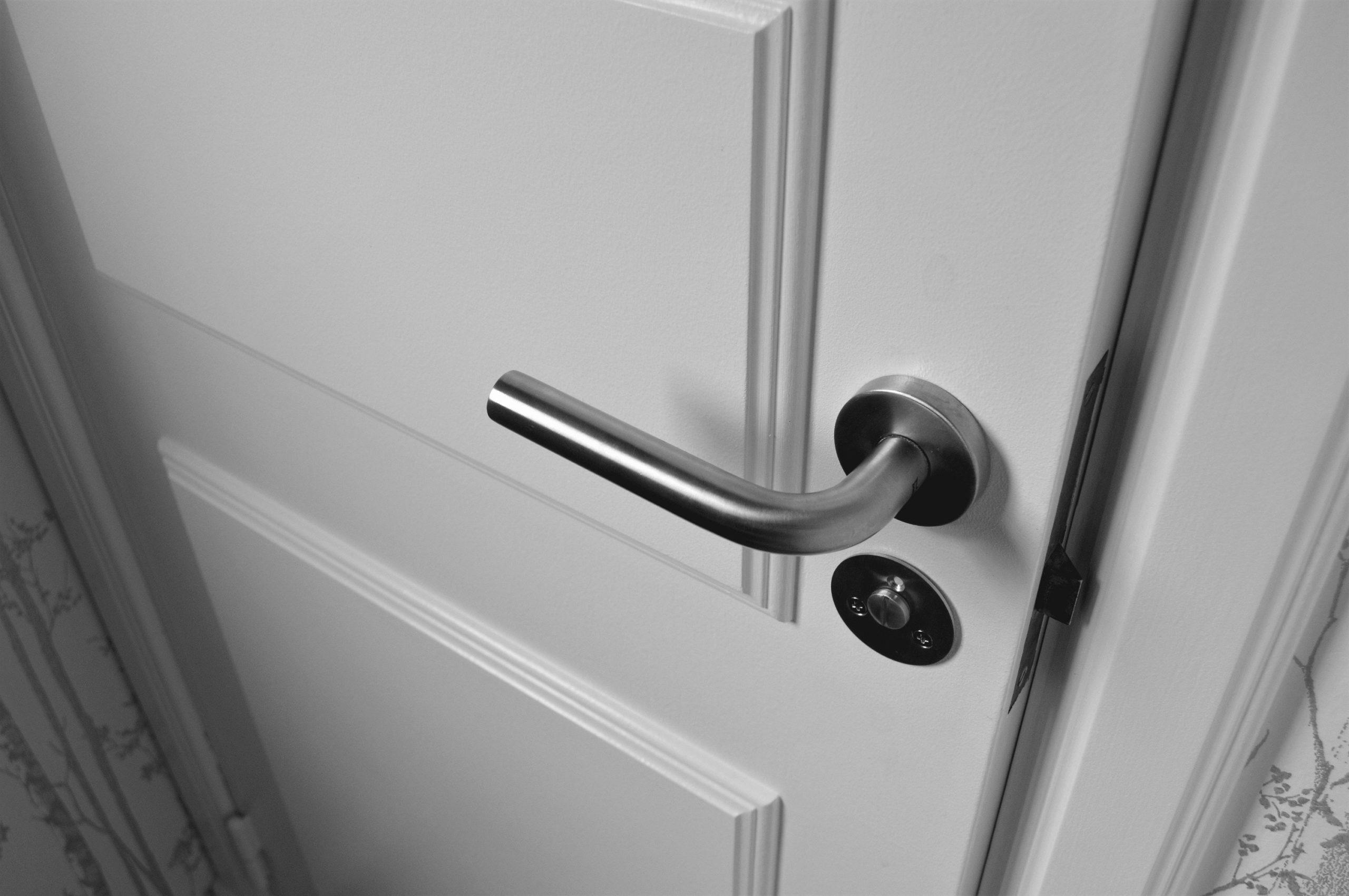 Reparation af låse og låsereparationer på Frb