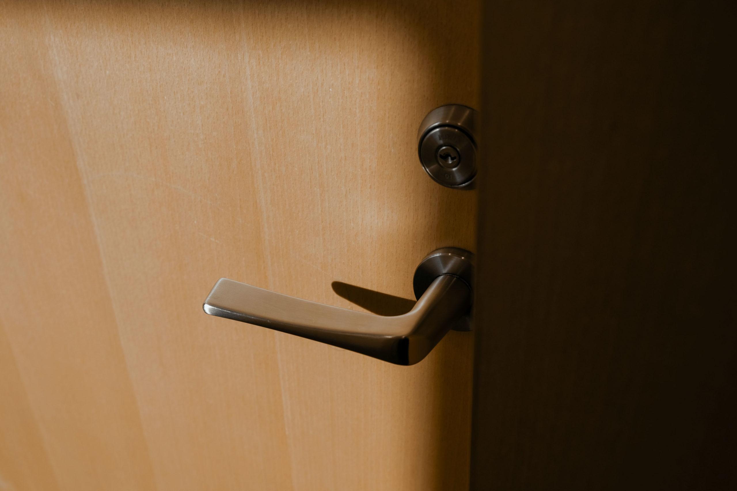 Låsesmed Frederiksberg hjælper ude låste personer hurtigt og effektivt